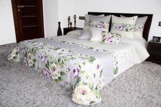 Luxusní přehoz na postel šedo krémové barvy s růžemi