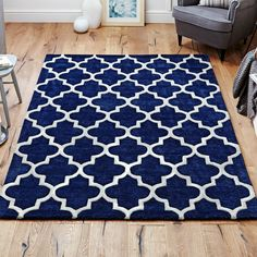 This luxurious, heavyweight rug will be the perfect addition to your home.