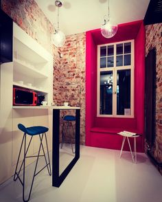 Pomieszczenie socjalne w biurze. Projekt wnetrz: Grupa Żoliborz; foto: Marcin Tryc #kitchen #office #interiors Brick Flooring, Pink Accents, Red Bricks, Interior S, Red And Pink, Colonial, Art Deco, Floor Plans, How To Plan