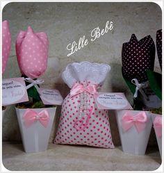Kit de lembrança - vasinho de tulipas de tecido e sachê perfumado.