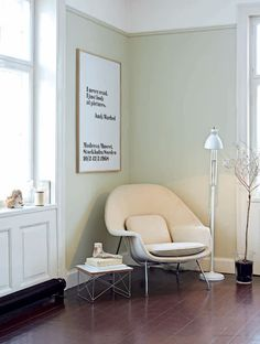 Womb chair by Eero Saarinen, occasional table LTR by Eames. via http://lamaisondannag.blogspot.it/
