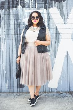 @gabifresh looks sporty yet chic in a full tulle skirt and sneakers. Get into more Spring shoe trends #ontheblog   #style #fashion #streetstyle #lotd #ootd