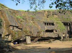 Cuevas de Karla, en Maharashtra. Escavadas por los monjes budistas.III y s.II a.C. Entre las mas antiguas estructuras de este tipo en India