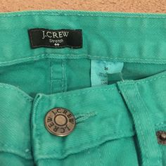"""J. Crew Toothpick Pants in Turquoise Mid rise, fairly stretchy. Love the color just don't fit me anymore. Size 26. Fit like a crop on me but I am 5'9"""". Cute with wedges or sandals! Worn once or twice MAX J. Crew Jeans Ankle & Cropped"""