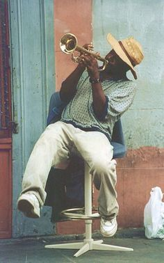 Busker in New Oreans, August 2001
