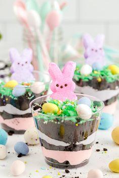 Easter Deserts, Easy Easter Desserts, Holiday Desserts, Holiday Foods, Easter Recipes, Holiday Treats, Holiday Fun, Easter Candy, Easter Treats