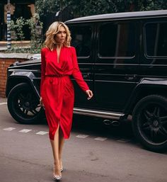 Chic in the #City #beauty #style #chic #glam #haute #couture #design #luxury #lifestyle #prive #moda #instafashion #Instastyle #instabeauty #instaglam #fashionista #instalike #streetstyle #fashion #photo #ootd #model #blogger #photography #shoes #mercedes