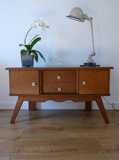 Les rois du bois:  Enfilade vintage meuble TV pieds compas  Un clic ...