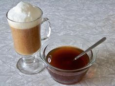 DIY Hazelnut Sugar Syrup for coffee - we go through tons of this so I want to try making my own! Expresso, Sweet Sauce, Coffee Creamer, Simple Syrup, Corn Syrup, Yummy Drinks, Coffee Drinks, Quick Easy Meals, Deserts