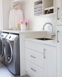 "Coastal Interiors on Instagram: ""Gorgeous laundry room via Barlow Reid Design! TAG a friend to share!! ❤️❤️❤️ More details: http://houzz.com/photos/32849137 // TO BE FEATURED: Tag @coastalinteriors in your photos with #coastalinteriorshome. I love seeing YOUR homes!! xo, Anneke @coastalcollectiveanneke / @coastalcollectiveco"""