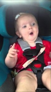 Baby crying until a Katy Perry song starts playing and then she cheers right up. - Real Funny has the best funny pictures and videos in the Universe! Funny Babies, Funny Kids, Funny Cute, Cute Kids, Cute Babies, Hilarious, Dark Horse Song, Katy Perry Songs, Whatsapp Videos