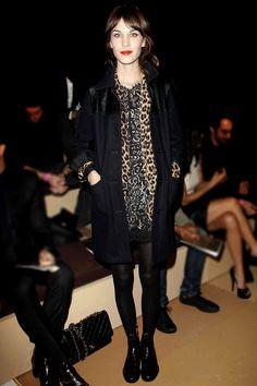 Le look masculin-féminin d'Alexa Chung http://www.vogue.fr/mode/look-du-jour/articles/le-look-masculin-feminin-d-alexa-chung/16546