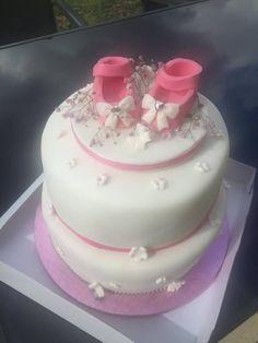 Für diese hübsche Torte hat sich Kerstin aber Mühe gegeben. Sieht total klasse aus. Steht bei euch demnächst auch eine Taufe oder Babyparty an? Dann schaut mal bei uns im Shop vorbei.   http://www.tolletorten.com/advanced_search_result.php?keywords=baby&x=0&y=0