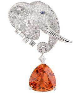 Van Cleef and Arpels es uno de los diseñadores de lujo mejores joyas francesas. La compañía fue fundada por Alfred Van Cleef and Arpels Salomon y que introdujeron su boutique de lujo muy por primera vez en 1906 en París.