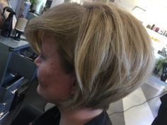 Blond Pixie Haircut...Stravolgi il tuo look..X info e consulenze 0823/837026 😏😏😏#dalessiogroup #look #blonde #hairstyle #hair #caserta #marcianise #fashion #instanlike
