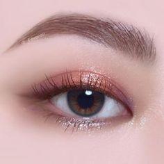 """History of eye makeup """"Eye care"""", quite simply, """"eye make-up"""" has long been an area Makeup Trends, Makeup Inspo, Makeup Art, Makeup Eyeshadow, Makeup Inspiration, Makeup Brushes, Beauty Makeup, Hair Makeup, Korean Makeup Look"""