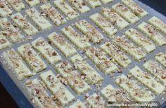 Oříškové tyčinky od našich babiček | NejRecept.cz Christmas Goodies, Christmas Baking, Sweet Desserts, Sweet Recipes, Czech Recipes, Sweet Cookies, Sweet And Salty, Food Hacks, Cupcake Cakes