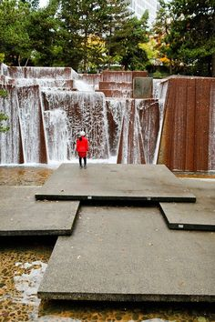 Ira Keller Fountain Park https://www.google.com/maps/place/SW+Clay+St+%26+SW+3rd+Ave,+Portland,+OR+97201/