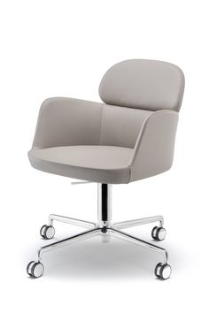 Ester 695 armchair widens its horizons bringing elegance and comfort to offices and hospitality spaces. Ideal for executive offices and meeting rooms.