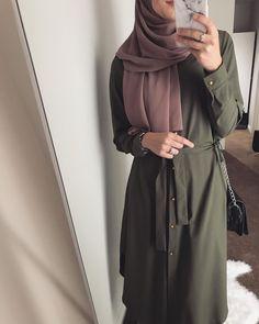 Likes, 19 Comments – Fashionista Style & Hijab (Montserrat Blanquel. Hijab Fashion Summer, Modest Fashion Hijab, Modern Hijab Fashion, Street Hijab Fashion, Hijab Fashion Inspiration, Islamic Fashion, Abaya Fashion, Muslim Fashion, Fashion Outfits