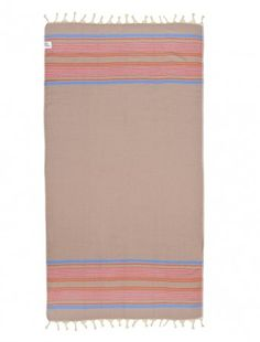 Newfoundland is the most delicate towel of the season. Its herringbone design along with the high consistency of bamboo, makes this a chic and colorful item. Perfect to be used as a beach towel/blanket, pareo, scarf or sun bed cover