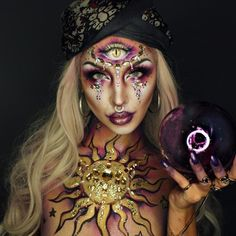 Looking for for inspiration for your Halloween make-up? Browse around this site for unique Halloween makeup looks. Makeup Clown, Makeup Carnaval, Ghost Makeup, Scary Makeup, Makeup Emoji, Voodoo Makeup, Horror Makeup, Doll Makeup, Zombie Makeup