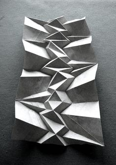 Origami - geometric paper art Paper Folding by Andrea Russo Architecture Pliage, Architecture Origami, Architecture Models, Concept Architecture, Paper Structure, Paperclay, Paper Artist, Fabric Manipulation, Origami Paper
