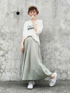 YUKIさんの「キャンバスBOYキャップ(TODAYFUL)」を使ったコーディネート Yuki, Japanese Style, Pleated Skirt, Converse, Tulle, Skirts, Summer, How To Wear, Fashion