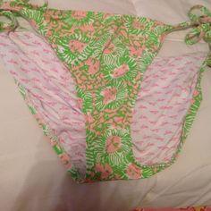 Lilly Pulitzer bathing suit bottoms size L Lilly Pulitzer bathing suit bottoms size L Lilly Pulitzer Swim Bikinis