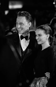 torrilla:  Tom Hiddleston and Natalie Portman attend the World Premiere of 'Thor: The Dark World' at The Odeon Leicester Square on October 22, 2013 in London, England [HQ]  Beautiful!!!