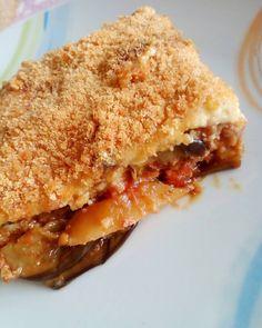 Ελεύθερο γεύμα σήμερα και ελπίζω ο μουσακάς να μην πάει να καθίσει σε κοιλιά και μπούτια! . . . #diaryofabeautyaddict #food #foodphoto #foodbloggers #dukan  #foodphotography #foodblogger #instafood #greekblogger #instablogger #bloggerslife #dukandiet #elbeautythings #mousakas #μουσακάς #greekfood