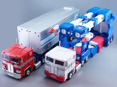 Transformers Masterpiece MP-22 Ultra Magnus with MP-10 Convoy (Optimus Prime)