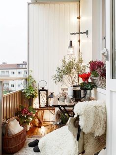A small balcony means you are limited by space, not by inspiration. See my 10 favourite balcony gardens for gorgeous ideas. Make your neglected balcony, the best spot to be in your apartment. Small Balcony Design, Tiny Balcony, Outdoor Balcony, Outdoor Spaces, Outdoor Living, Balcony Ideas, Small Patio, Balcony Garden, Balcony Door