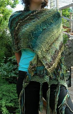 Free pattern from Jane Thornley This is free range knitting. No gauge or needle size need apply. Shawl Patterns, Knitting Patterns Free, Free Knitting, Crochet Patterns, Freeform Crochet, Knit Or Crochet, Crochet Shawl, Knitted Poncho, Knitted Shawls
