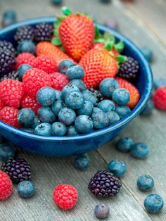 Do you have stiff, inflamed joints? The answer may involve your diet. Discover which foods to eat (and which to avoid) to reduce RA symptoms and inflammation.