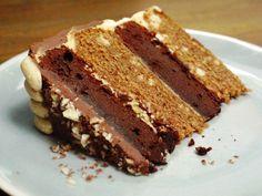 Snickers layer cake (chocolate, caramel & peanut)