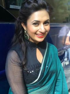 Sari Blouse Designs, Lehenga Designs, Blouse Styles, Blouse Neck Models, Kurta Neck Design, Sleeves Designs For Dresses, Cute Girl Dresses, Indian Tv Actress, Back Neck Designs
