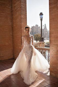 Gostas deste vestido? #casamentos #casamentospt #casamento #wedding #weddings #fashion #weddingdress #lovely #inspiração #inspiration #weddingday #amazing #noiva #bride #hot #whitedress