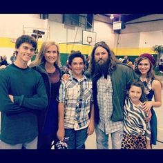 Great picture of Willie, Korie, & their kids.