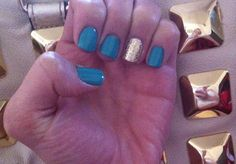 Turquoise and gold nails love!