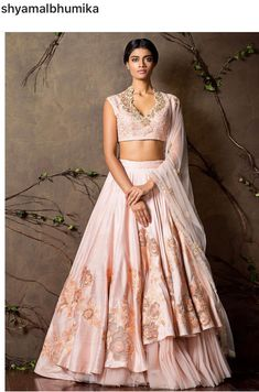 Get yourself dressed up with the latest lehenga designs online. Explore the collection that HappyShappy have. Select your favourite from the wide range of lehenga designs Indian Lehenga, Lehenga Sari, Bridal Lehenga, Anarkali, Sarees, Indian Wedding Gowns, Indian Bridal, Indian Dresses, Indian Outfits