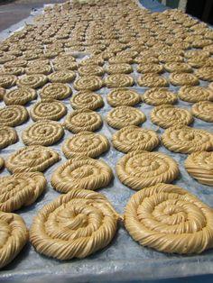 Alfeñiques y melcochas handmade candies in San Esteban Catarina, San Vicente. El Salvador. Foto: Ana Silva