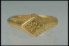 1200's later part to 1300's beginning, Gold ring with runes from Viby, Närke Inventory number 17961, Statens Historiska Museet Ulf Bruxe SHM 1995-02-03 Renaissance Jewelry, Edwardian Jewelry, Medieval Jewelry, Ancient Jewelry, Wiccan Jewelry, Cute Jewelry, Jewelry Art, Gold Jewelry, Jewelry Rings