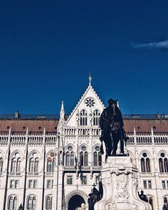 Its been a great day!  #vsco #parliament #hungary #sculpture #horse #window #architecture #city #buildings