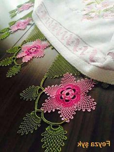 100 Tane Havlu Kenarı Modelleri 2017 - Neat Tutorial and Ideas Knitting Socks, Free Knitting, Baby Knitting Patterns, Crochet Patterns, Big Knit Blanket, Big Knits, Knit Pillow, Point Lace, Crochet Flowers