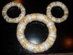Warm & Fuzzy: Mickey Mouse Wreath Tutorial