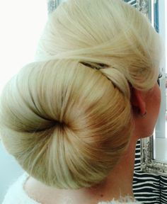 The world record for biggest bun? Bun Hairstyles For Long Hair, Sleek Hairstyles, Hairstyle Ideas, Beautiful Blonde Hair, Beautiful Braids, Super Long Hair, Big Hair, Big Bun, Bun Updo