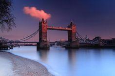 Tower Bridge Glow by CraigDavison  http://ift.tt/1Ekgp4W  via Twitter @OfficialTrento