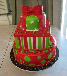 Christmas Cake Christmas Present Cake Christmas Present Cake, Christmas Cakes, Christmas Desserts, Christmas Snowman, Christmas Baking, Beautiful Cakes, Amazing Cakes, Cake Decorating, Decorating Ideas