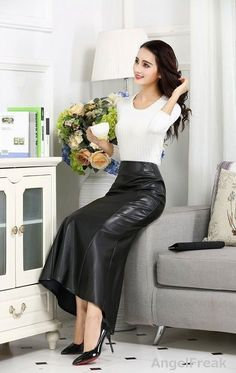 Skirt Outfits, Sexy Outfits, Dress Skirt, Satin Skirt, Satin Dresses, Sexy Rock, Long Leather Skirt, Leder Outfits, Asian Fashion